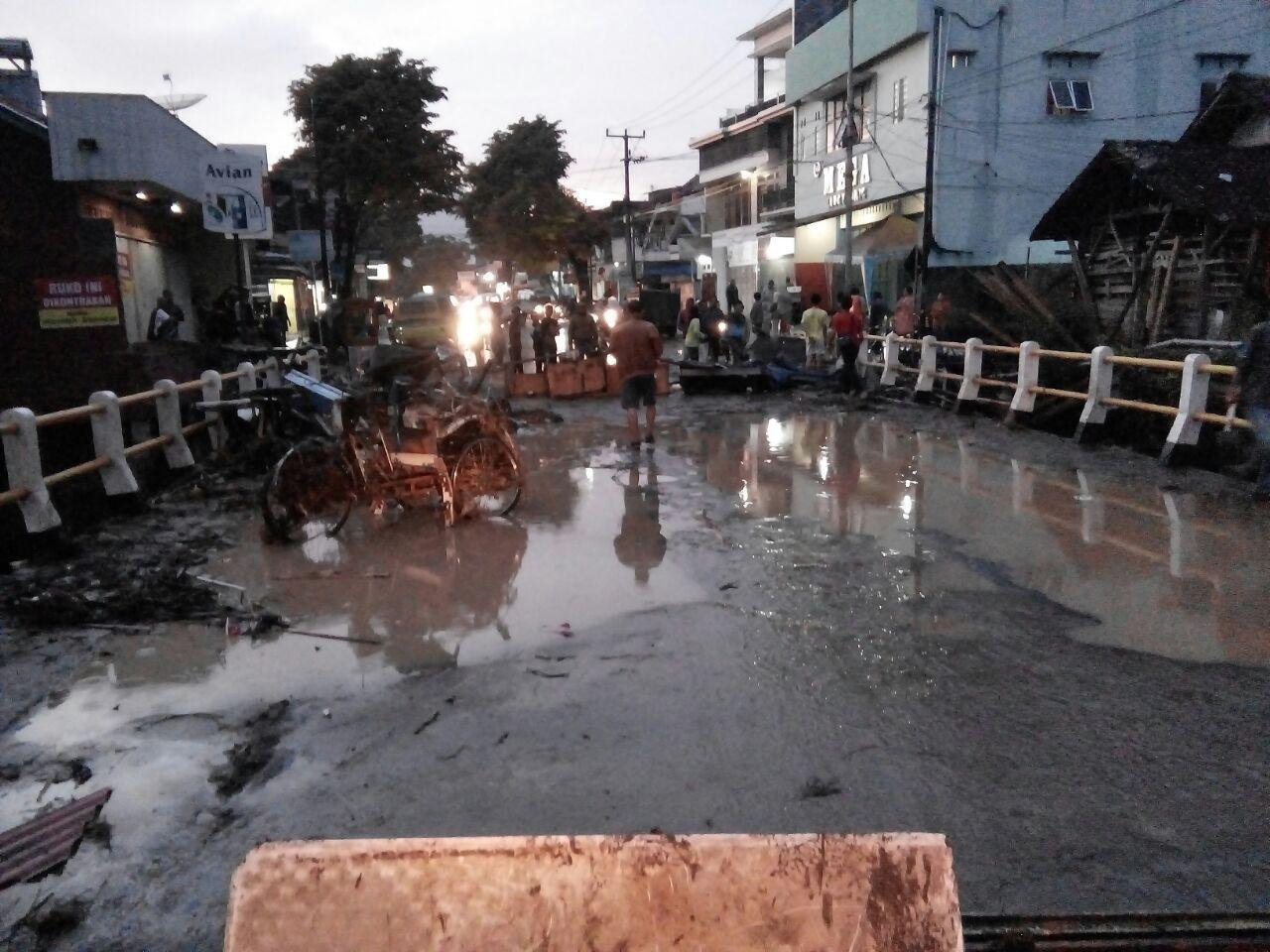 Foto: Banjir bandang terjang Garut (dok. Basarnas Jawa Barat)