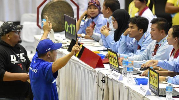 Secara khusus Fritz yang juga sosiolog ini menyoroti kualitas wasit-wasit  olahraga di Indonesia 0f922bfbd6