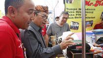 Gubernur Jabar Jajan Kuliner, Bayarnya Tinggal Tempel Ponsel