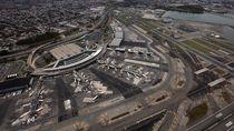 Pemerintahan AS Tutup, Ratusan Penerbangan Bandara New York Delay