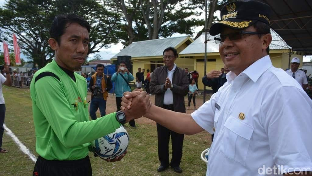 Bupati Poso Buka Liga Nusantara