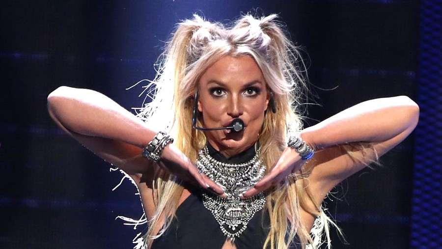 Selebriti Dunia yang Ketahuan Lip Sync saat Konser, Siapa Saja?