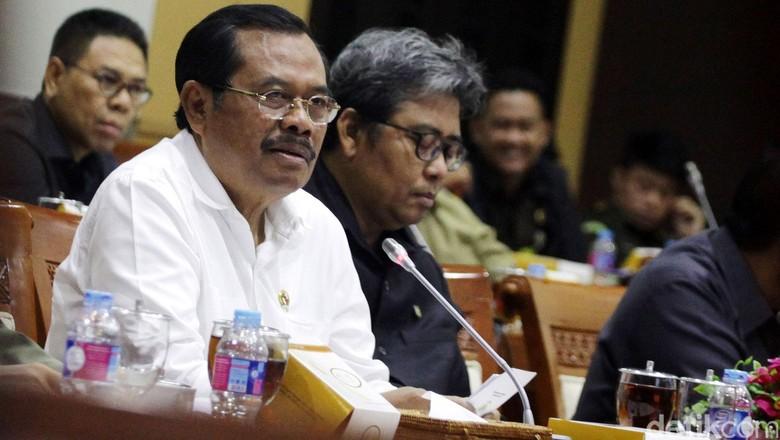 Jaksa Farizal Akui Terima Uang, Kejagung Tetap Beri Bantuan Hukum Hadapi KPK