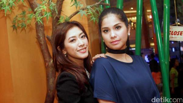 Cantiknya Annisa Pohan dan Aliya Rajasa