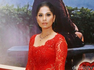 Foto: Penampilan Anggun Istri 3 Calon Gubernur DKI Berkain Batik