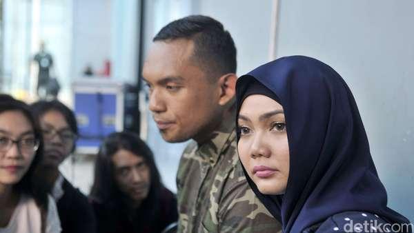 Rina Nose Bareng Fakhrul Razi, Balikan ?