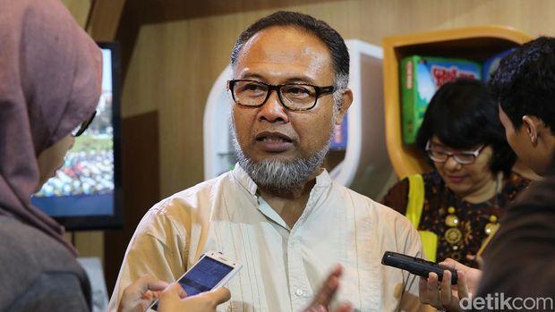 Bambang Widjojanto /