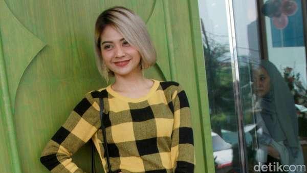 Tiwi eks T2 Semringah Banget