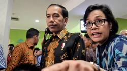 Berani Reshuffle Sri Mulyani, Pak Jokowi?