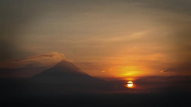 Punthuk Setumbu, Jawa Tengah (Sri Subaktiyani/dTraveler)