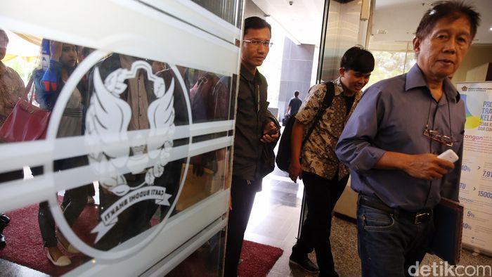 Wajib Pajak di Kantor Pajak/Foto: Ari Saputra