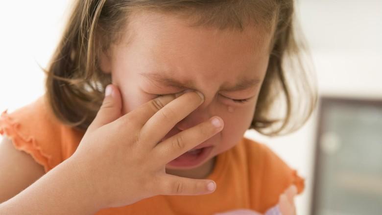 Tenangkan Anak Rewel dengan Iming-iming Sesuatu, Oke Nggak?/ Foto: thinkstock