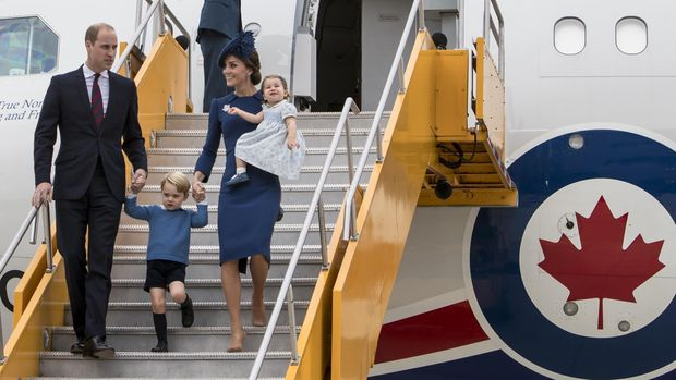Pangeran George dan celana pendeknya
