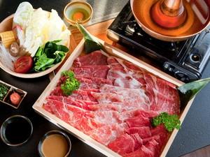 Slurrp! Asyiknya Makan Siang Hangat dengan Shabu-shabu di 7 Tempat Ini