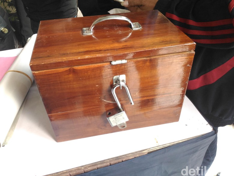 Kotak dari Dimas Kanjeng untuk Kasianto Berisi Jimat dan Emas Palsu, ini Wujudnya