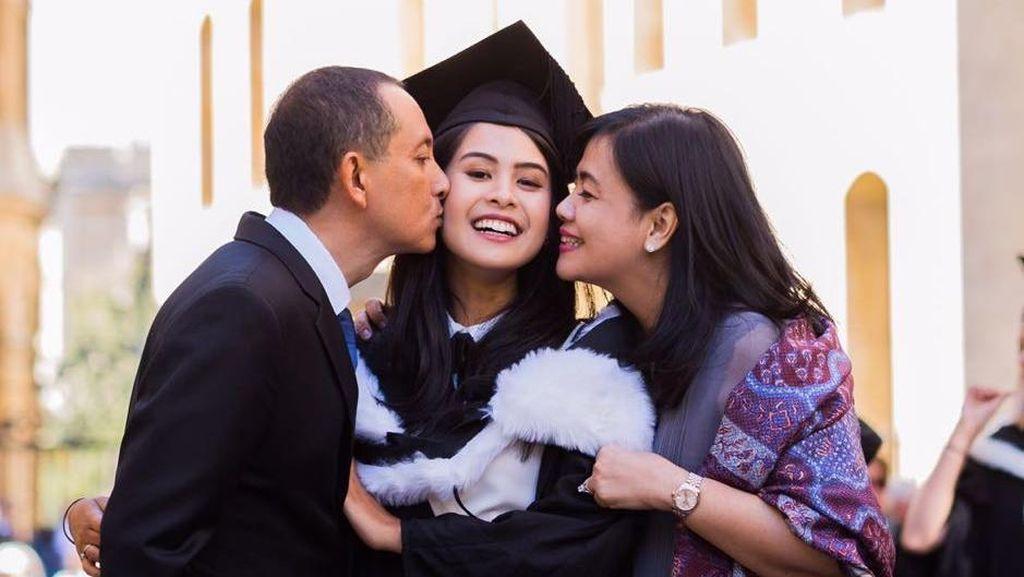 Orang Tua Beri Banyak Pandangan bagi Maudy Ayunda Tentukan Masa Depan