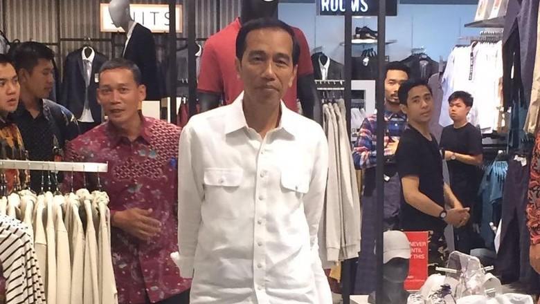 Saat Jokowi Blusukan ke Mal Kelas Atas di Jakarta