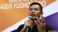 Keputusan yang tidak mudah telah saya ambil dan itu keputusan saya pribadi. Beredar dugaan saya dipaksa, ditekan, bahkan lucunya Pak SBY dan Bu Ani disebut tega sekali anaknya dipaksa masuk politik. Itu menyakitkan, kata Agus.