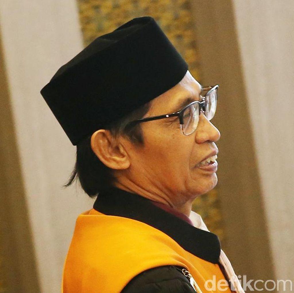 Artidjo Pensiun: Dari Soeharto, Antasari Azhar hingga Ahok