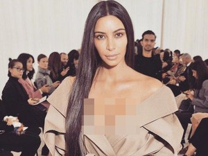 Kim Kardashian Tampil Tanpa Makeup di Paris Fashion Week