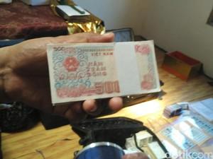 Uang dan Emas Palsu di Rumah Korban Dimas Kanjeng