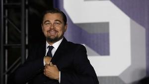 Leonardo DiCaprio Dicium Mesra Model 20 Tahun di Coachella