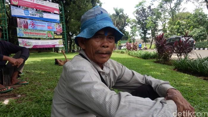 Gusmawan, Manusia Cangkul di Bintaro. (Foto: Muhammad Fida Ul Haq/detikcom)