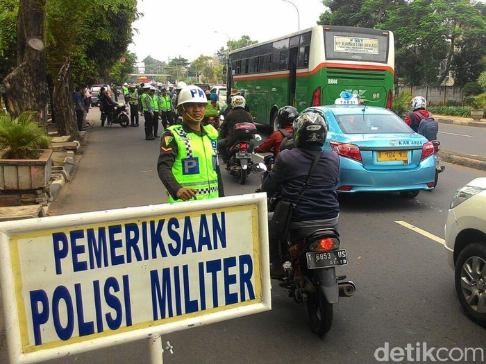 Operasi reward and punishment Denpom Jaya