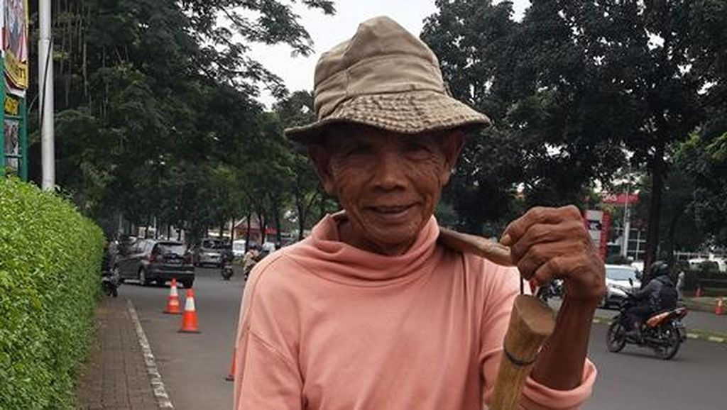 Tentang Netizen yang Ubah Nasib Rastoni Manusia Cangkul