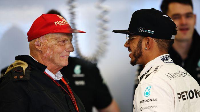 Lewis Hamilton bersama Niki Lauda. (Foto: Getty Images/Lars Baron)