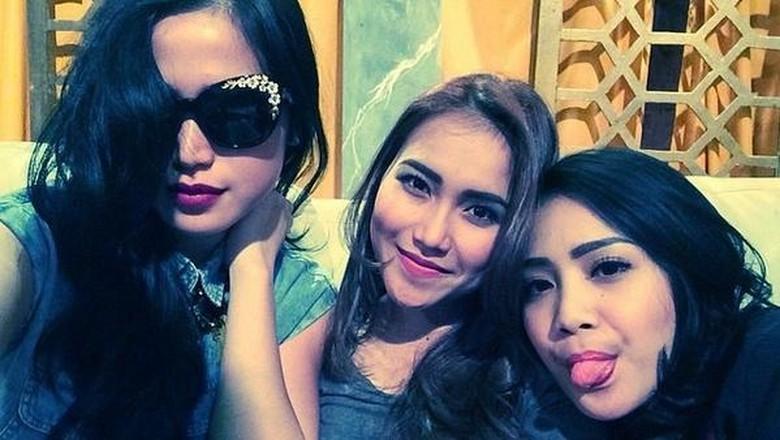 Dulu Jessica Iskandar, Kini Ayu Ting Ting Bikin Marah Luna Maya