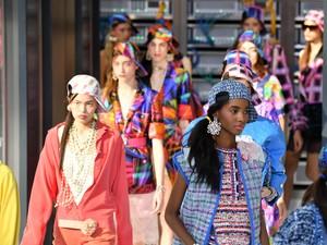 Tren Fashion 2017 Pembawa Untung di Tahun Ayam Api