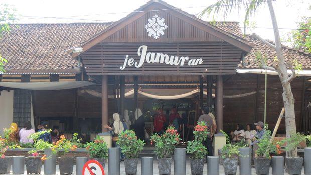 Tampak depan Restoran Jejamuran (Fitraya/detikTravel)