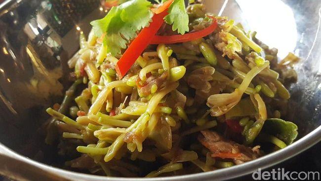 Renyah Pahit Garo Bunga Pepaya Juga Enak untuk Makan Siang