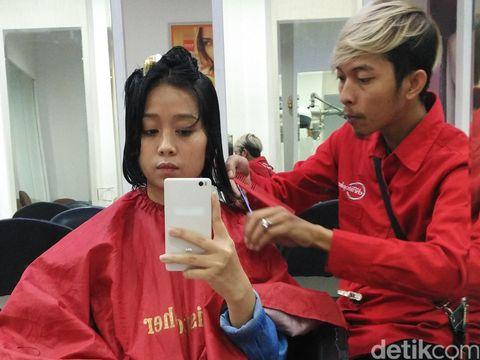 Berapa Harga Potong Rambut Di Salon