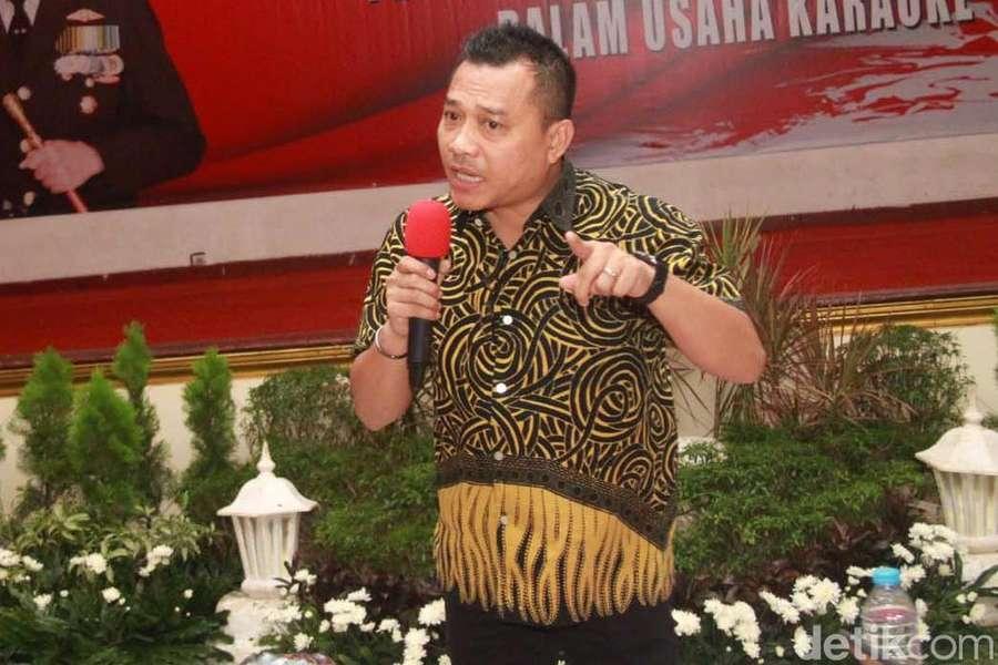 Hamil Tua, Ashanty Tetap Dampingi Anang Hermansyah