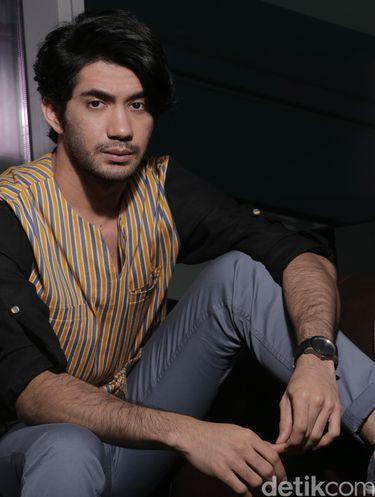 Reza Rahadian.