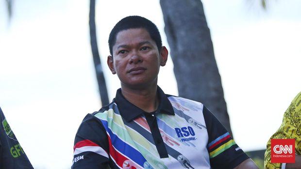 Ketua ISSI, Raja Sapta Oktohari, kecewa dengan tertahannya peralatan tim balap sepeda di bea cukai.