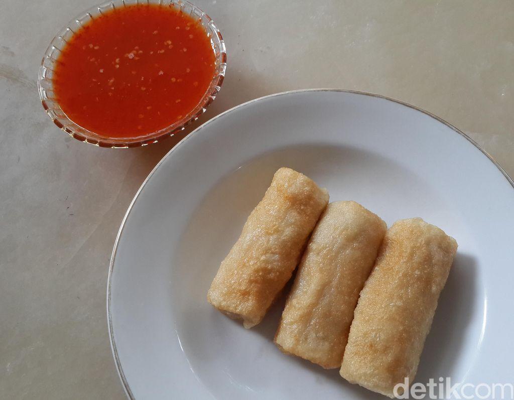By Chef Eddrian Tjhia: Ini Dia Pempek Cuko Merah dan Kue
