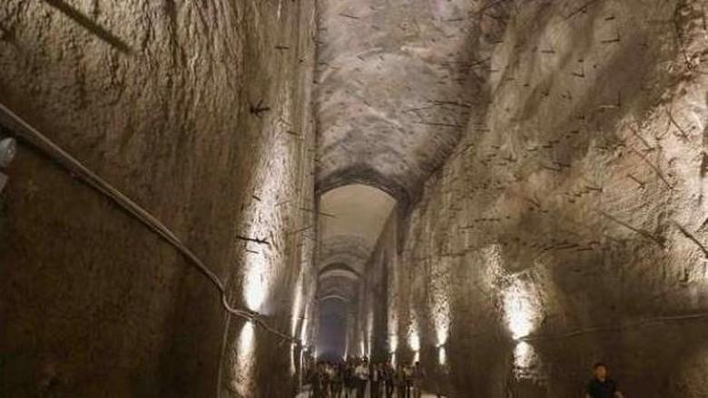 Bekas bunker reaktor nuklir 816di China (Xinhua)
