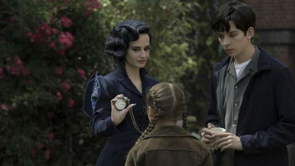 Petualangan Fantasi di Miss Peregrines Home for Peculiar Children