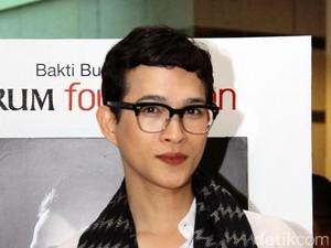 Perjalanan Karier Oscar Lawalata yang Umumkan Merdeka Diri: Jadi Transgender