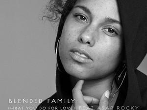 Alicia Keys Tampil Cantik Alami Tanpa Makeup di Cover Album Terbaru