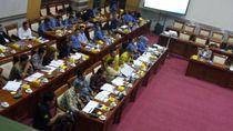 Komisi I, KPI dan Menkominfo Rapat Bahas Perpanjangan Izin 10 Stasiun Televisi