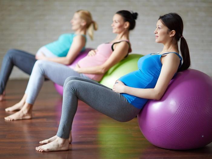 Foto: Ilustrasi olahraga saat hamil/thinkstock