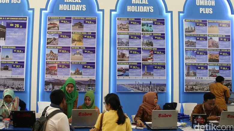 Ilustrasi Bisnis Travel Haji Umroh