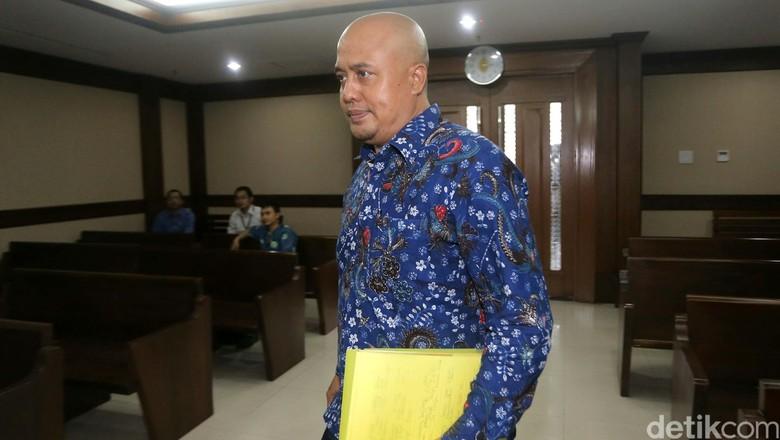 Anggota DPR Putu Sudiartana Hadapi Tuntutan Hari Ini