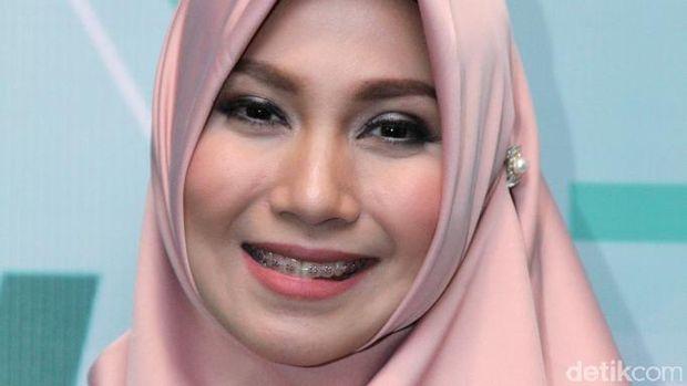 Jupe Komentar Soal Kabar Bangkrut, Puput Melati Sudah Resmi Bercerai?