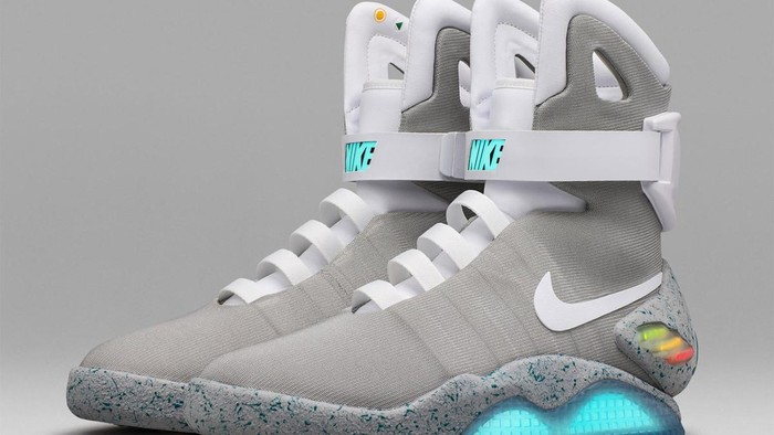 Sepatu Canggih  Back to the Future  Ditawar Rp 1 c4c8d8c321