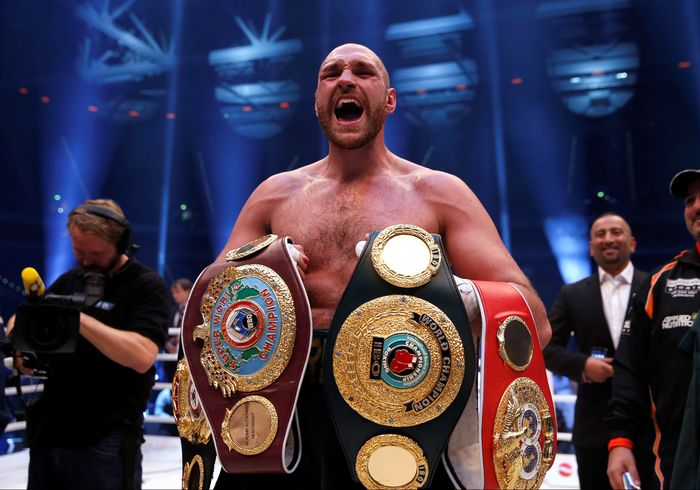 FILE PHOTO - Boxing - Wladimir Klitschko v Tyson Fury WBA, IBF & WBO Heavyweight Titles - Esprit Arena, Dusseldorf, Germany - 28/11/15Tyson Fury celebrates winning the fightAction Images via Reuters / Lee SmithLivepic/File Photo